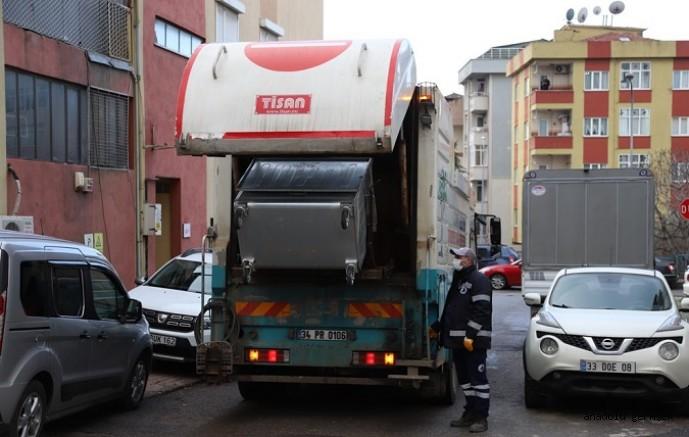 Kartal'da Çöp Konteynerleri Dezenfekte Edildi