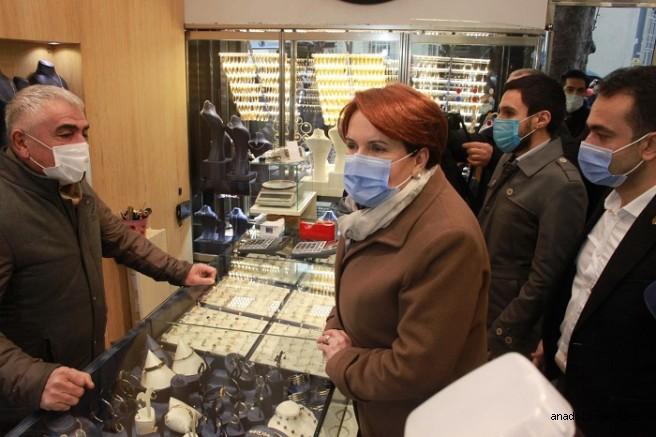 Meral Akşener Kartal Esnafını Ziyaret Etti